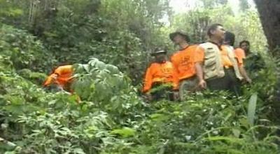Tim SAR mencari pendaki hilang (Ilustrasi, Dok: Sindo TV)
