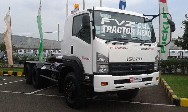 F: Isuzu GIGA FVZ 34P Tractor Head (Arief A / Okezone)