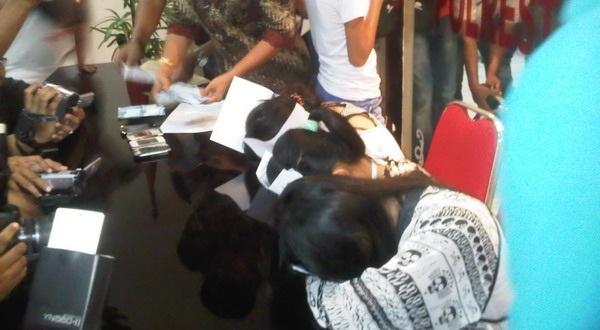 Nita dan para korbannya (Foto: Nurul Arifin/Okezone)