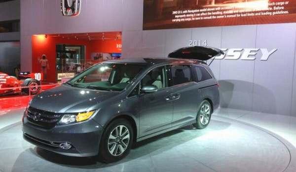 F: New Honda Odyssey (Inautonews)