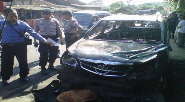 Mobil FPI yang Dirusak Warga (Eddie Prayitno/Sindo Tv)