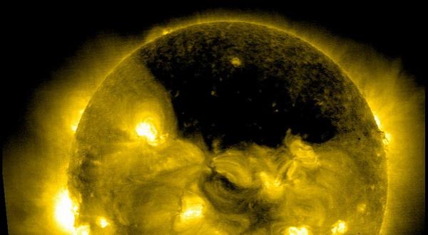 Foto Letupan Matahari 'Mengerikan' Berhasil Ditangkap