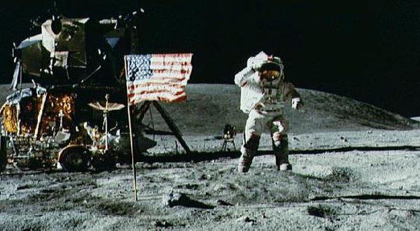 Image result for mendarat di bulan