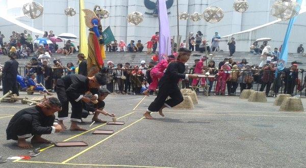 Puluhan Anak Ikuti Festival Permainan Tradisional Jabar Okezone News