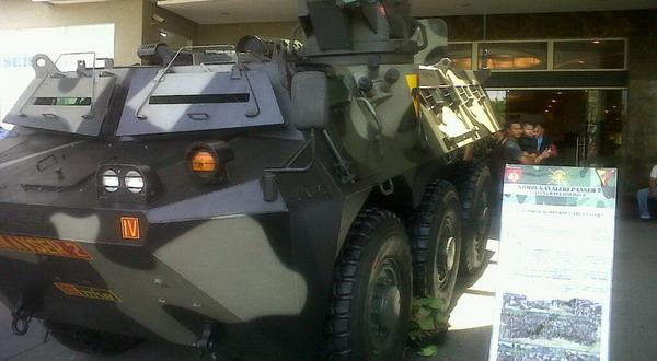 Asyiiik... Gratis Lihat Senjata Tempur TNI di Mal Solo : Okezone News
