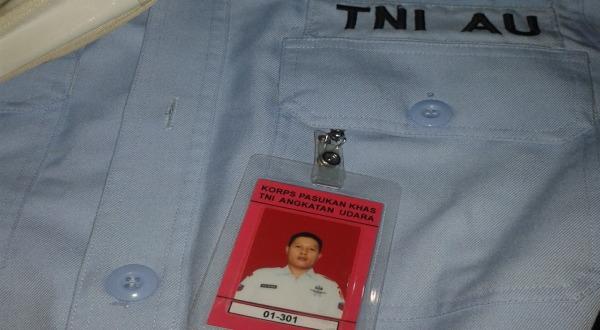 Tanda pengenal RBW dan seragamnya (Foto: Tri/Okezone)