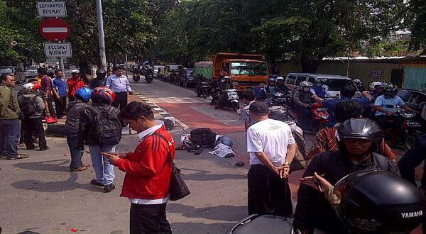 Ninja 250R kecelakaan di Jalan Panjang (foto: TMC)