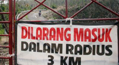 Steril 1 Kilometer, Penambang & Pendaki Nekat Sambangi Gunung Ijen