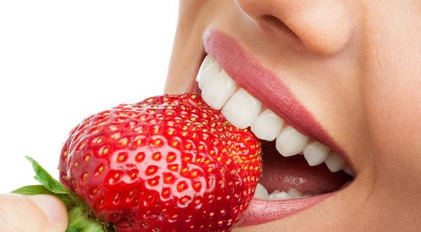 Kelopak Mawar Stroberi Cara Murah Dapatkan Bibir Merona Okezone
