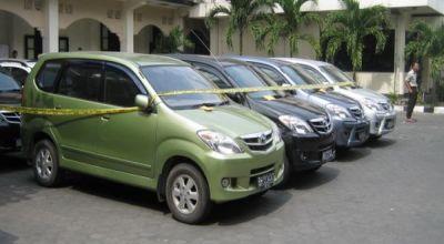 Kehabisan Bensin, Pencuri Mobil Tinggalkan Hasil Kejahatan