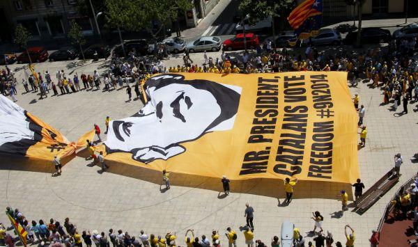 Referendum Ditolak Spanyol, Catalonia Tunda Kampanye (Foto:Reuters)