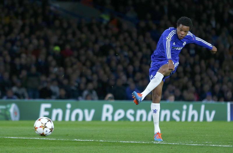 Striker Chelsea Ngotot main di Old Trafford