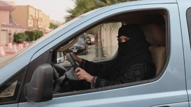 Kini Perempuan di Arab Boleh Menyetir Mobil (Foto:Belfast Telegraph)