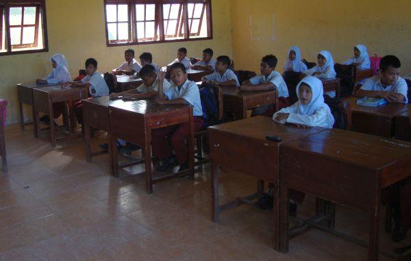 https: img.okezone.com content 2014 11 11 65 1063945 rohis-sekolah-tangkal-radikalisme-am3jpDqyoM.jpg