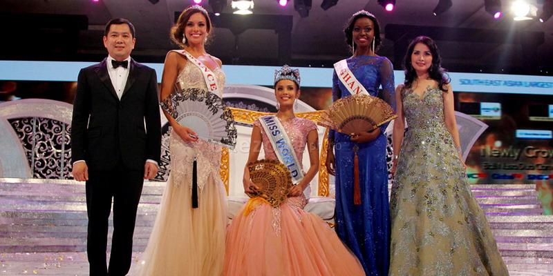 https: img.okezone.com content 2014 11 18 194 1067174 desember-megan-young-lepas-mahkota-miss-world-zcKcF9eJgi.jpg
