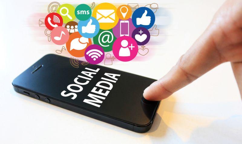 Puspayoga pun menyampaikan pentingnya pendampingan dari orangtua dan guru dalam berinternet.