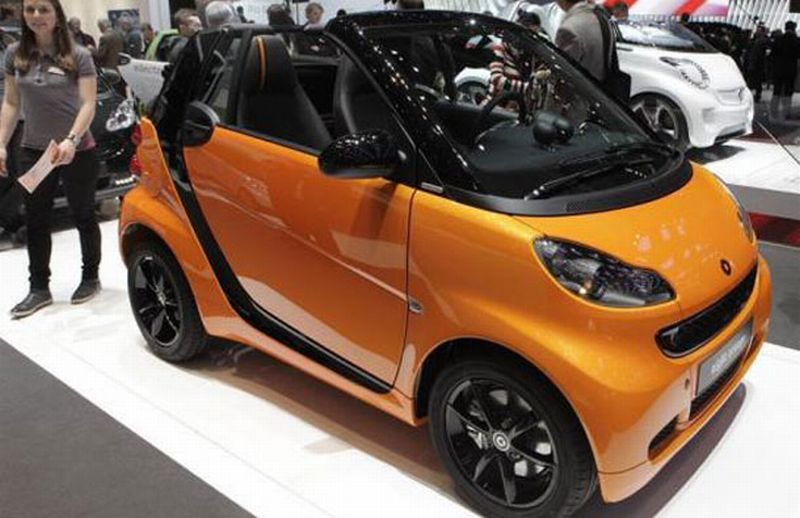 harga mobil smart fortwo forfour kini lebih murah. Black Bedroom Furniture Sets. Home Design Ideas
