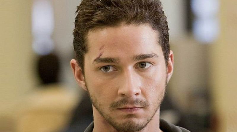 https: img.okezone.com content 2014 11 28 33 1072062 shia-labeouf-akui-diperkosa-saat-valentine-Fr2SRGSkIB.jpg
