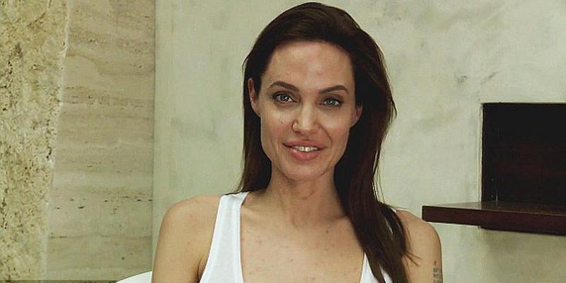https: img.okezone.com content 2014 12 14 481 1078977 angelina-jolie-absen-di-pemutaran-film-karena-cacar-GQXbPaljkE.jpg