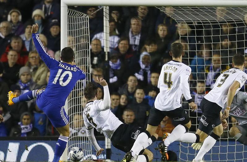 https: img.okezone.com content 2014 12 17 45 1080301 gol-hazard-bawa-chelsea-memimpin-ceHZFrQltj.jpg