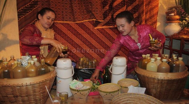https: img.okezone.com content 2014 12 19 320 1081459 jamu-indonesia-diklaim-malaysia-I6lPbgnoKf.jpg
