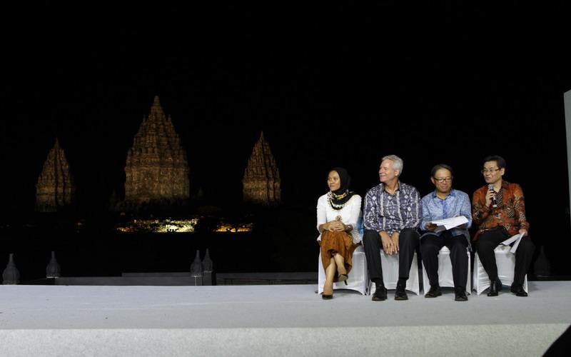Panasonic LED untuk Menerangi Kompleks Candi Prambanan