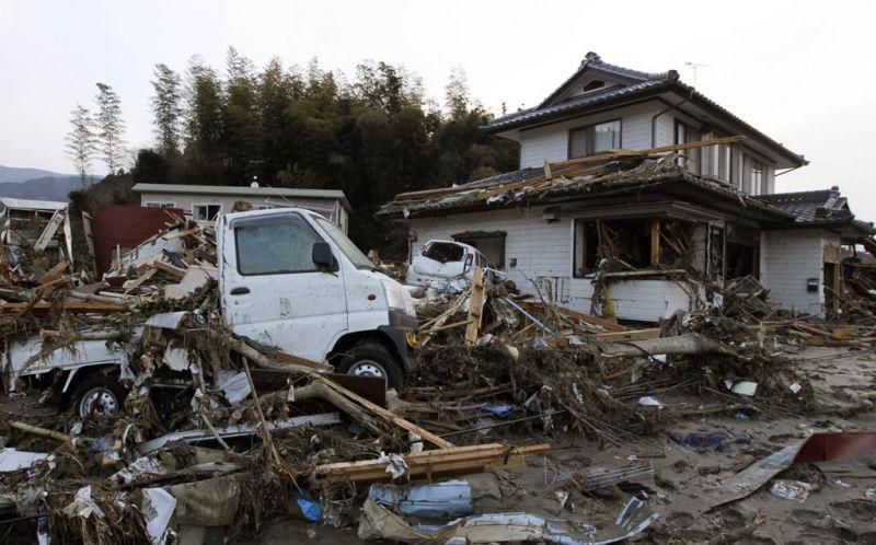 https: img.okezone.com content 2014 12 24 18 1083589 menlu-as-ikut-memperingati-tsunami-aceh-KBIlnkF76Z.jpg