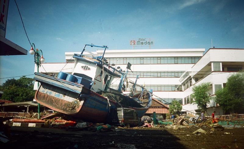 https: img.okezone.com content 2014 12 26 337 1084411 lemhanas-potensi-bencana-tsunami-di-indonesia-tak-boleh-diabaikan-ZGJ2eKojwq.jpg