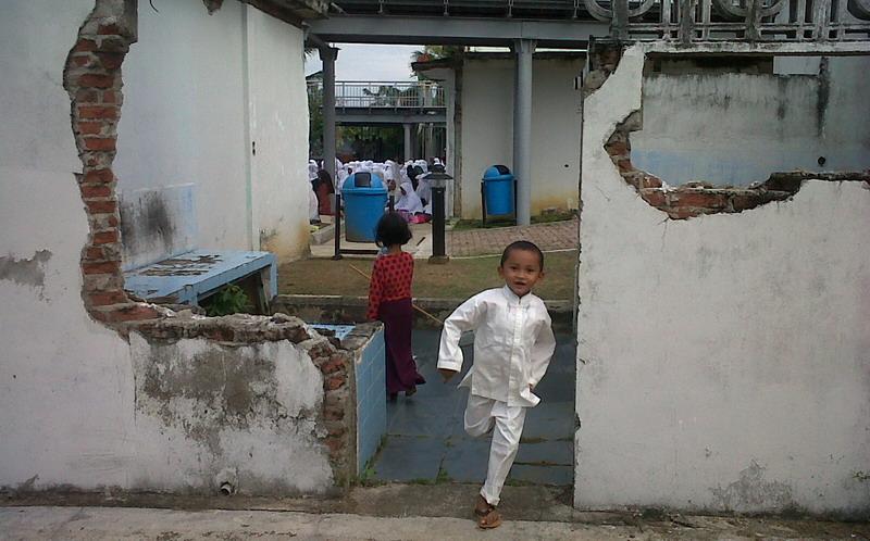 https: img.okezone.com content 2014 12 26 340 1084210 tsunami-berlalu-banyak-potensi-di-aceh-belum-tergarap-1FAiRSI66d.jpg