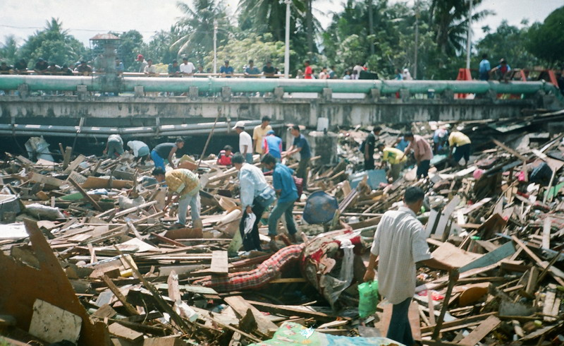https: img.okezone.com content 2014 12 26 340 1084303 siapkah-aceh-bila-tsunami-datang-lagi-y6QqMFzcD8.jpg