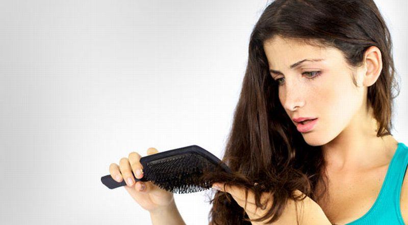 https: img.okezone.com content 2014 12 29 83 1085191 perawatan-sederhana-atasi-rambut-kering-PfZEc7VZPr.jpg