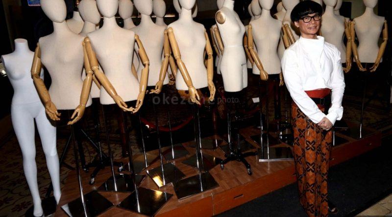 https: img.okezone.com content 2015 01 19 194 1094395 didi-budiardjo-sayangkan-indonesia-tak-miliki-museum-batik-BRQpOMpfVk.jpg