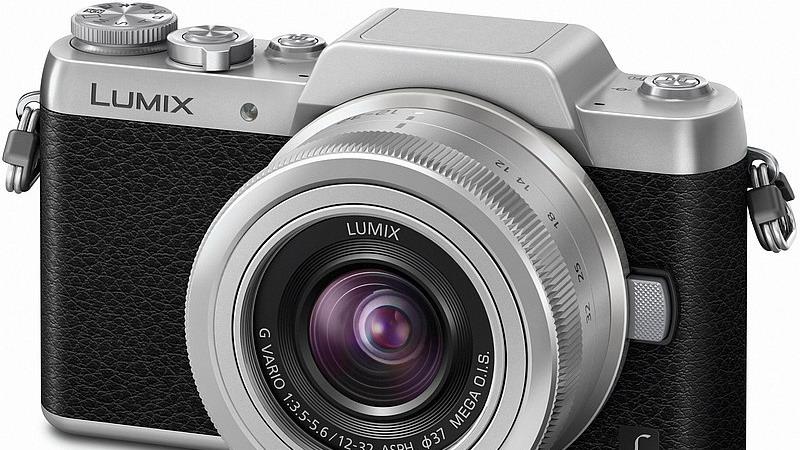 https: img.okezone.com content 2015 01 21 57 1095285 panasonic-gf7-kamera-layar-putar-selfie-rp7-jutaan-N98w5WUo6W.jpg