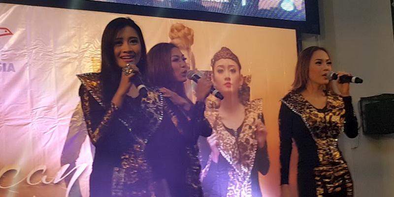 https: img.okezone.com content 2015 01 28 205 1098636 trio-macan-sukses-hipnotis-tki-hong-kong-Kkzqcsn6nO.jpg