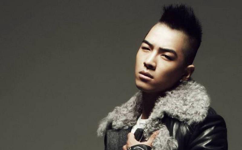 https: img.okezone.com content 2015 01 29 205 1099111 taeyang-big-bang-hibur-ribuan-fans-di-guangzhou-coYdrDIzA1.jpg