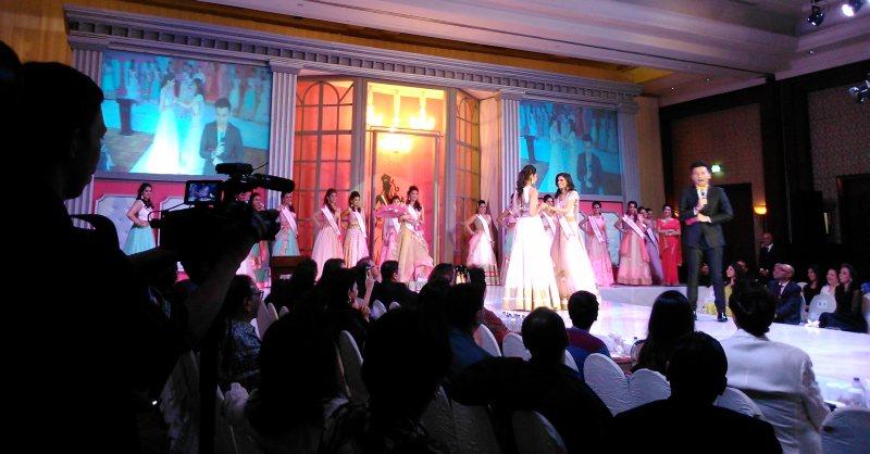 https: img.okezone.com content 2015 01 31 194 1099679 ajang-miss-india-indonesia-temukan-wanita-berbudaya-uiPNDvFJPv.jpg