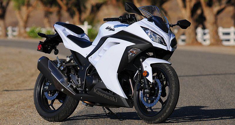 Pajak Barang Mewah Bikin Harga Kawasaki Ninja 300 Melambung