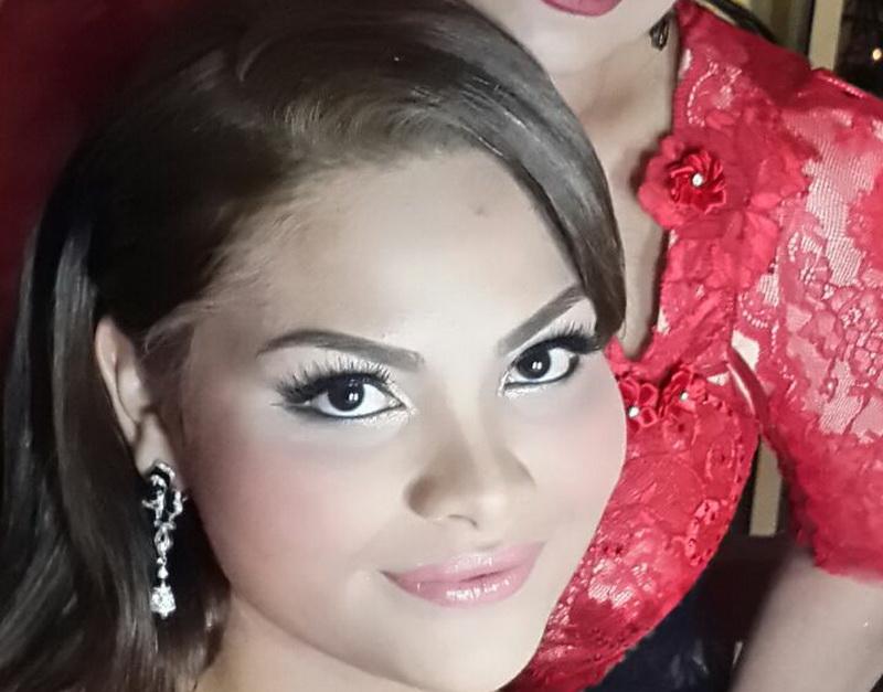 https: img.okezone.com content 2015 02 08 205 1103111 ahmad-dhani-restui-al-dengan-penyanyi-asal-malaysia-ini-5HVOVfggSN.jpg