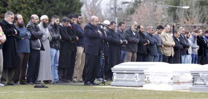 Ribuan Orang Hadiri Pemakaman Korban Chapel Hill