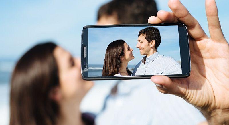 https: img.okezone.com content 2015 03 09 65 1115888 pelajaran-khusus-tentang-selfie-Peylqdquq1.jpg
