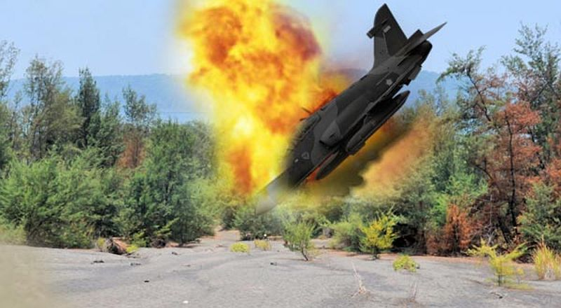 pesawat-al-milik-india-jatuh-dua-kru-hil