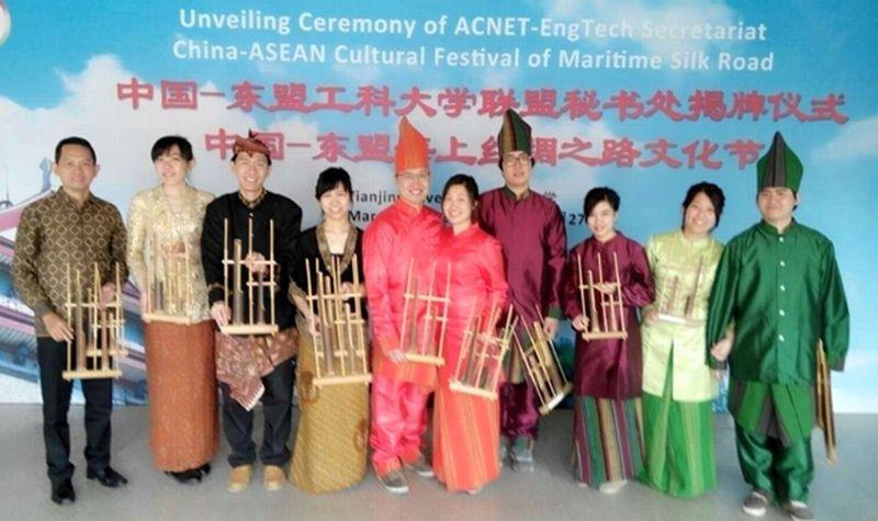 Bangga Perkenalkan Budaya Indonesia di Tiongkok : Okezone News