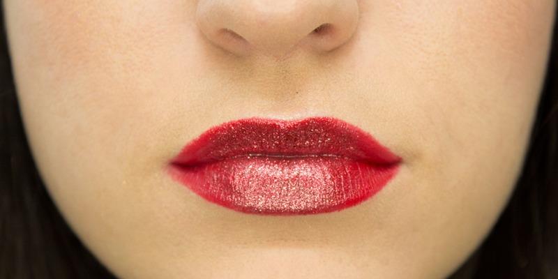 https: img.okezone.com content 2015 04 02 194 1128066 tips-memilih-lipstik-merah-3yL2sgwn2I.jpg