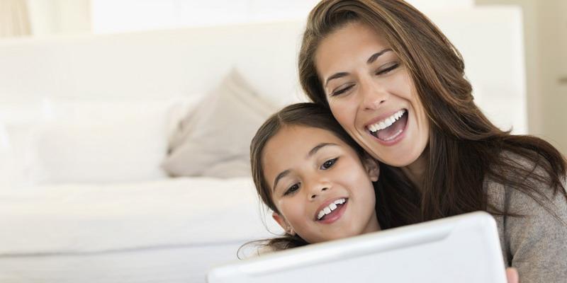 https: img.okezone.com content 2015 04 03 196 1128717 wanita-karier-bisa-menjadi-figur-positif-bagi-anak-52Z9eHj65X.jpg