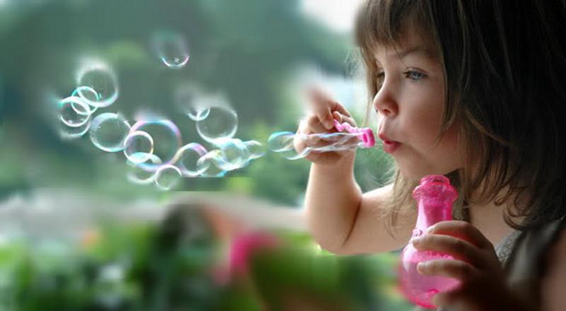 https: img.okezone.com content 2015 04 04 196 1129048 latih-kemampuan-bicara-anak-autis-lewat-meniup-PtTiKyXYjG.jpg