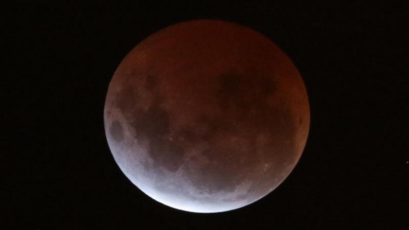 Foto Penampakan Gerhana Bulan Total 'Blood Moon'