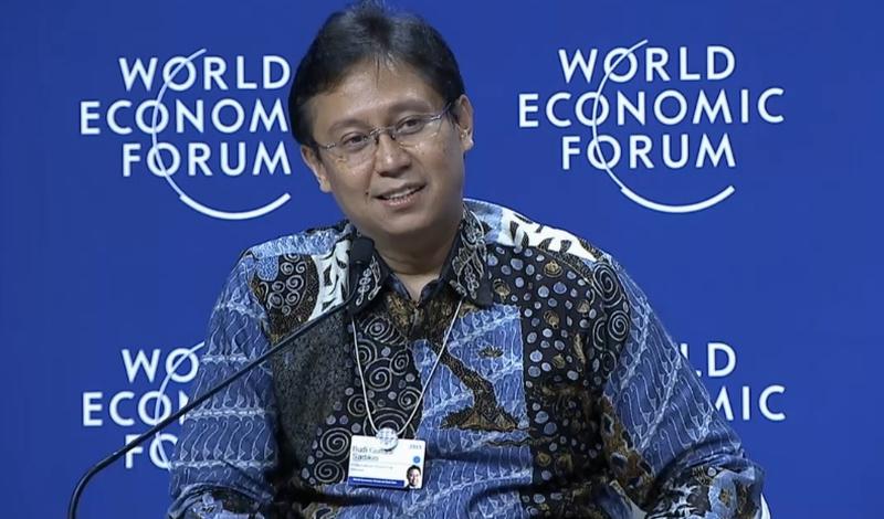 https: img.okezone.com content 2015 04 21 320 1137877 alasan-budi-sadikin-pamer-batik-di-penutupan-wef-dzixDweEMv.jpg