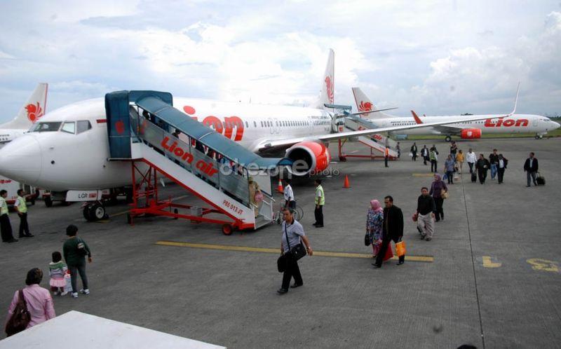 Foto Dalam Pesawat Lion Air Pesawat Lion Air Saat Parkir