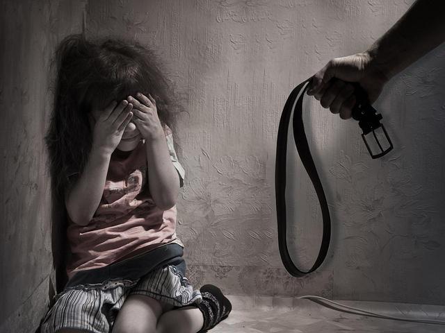 Ibu Jadi TKI, Balita Ini Babak Belur Dianiaya Pengasuh