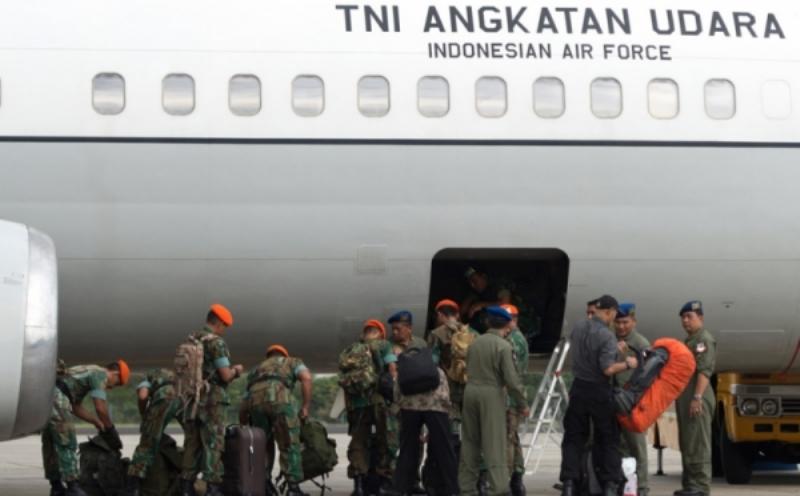 https: img.okezone.com content 2015 05 01 18 1143350 tim-evakuasi-kemlu-bentuk-tiga-kelompok-pencarian-wni-nepal-orYfC6veqe.jpg